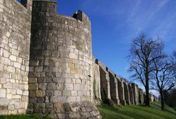 Mury obronne York – masywna pamiątka z XIII wieku
