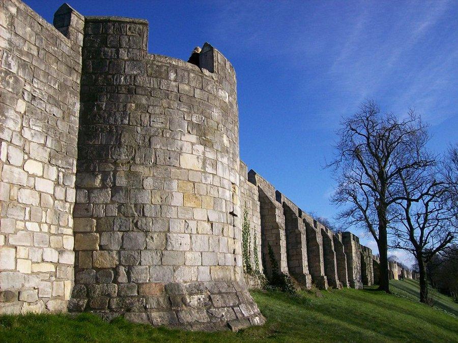 Mury obronne w York