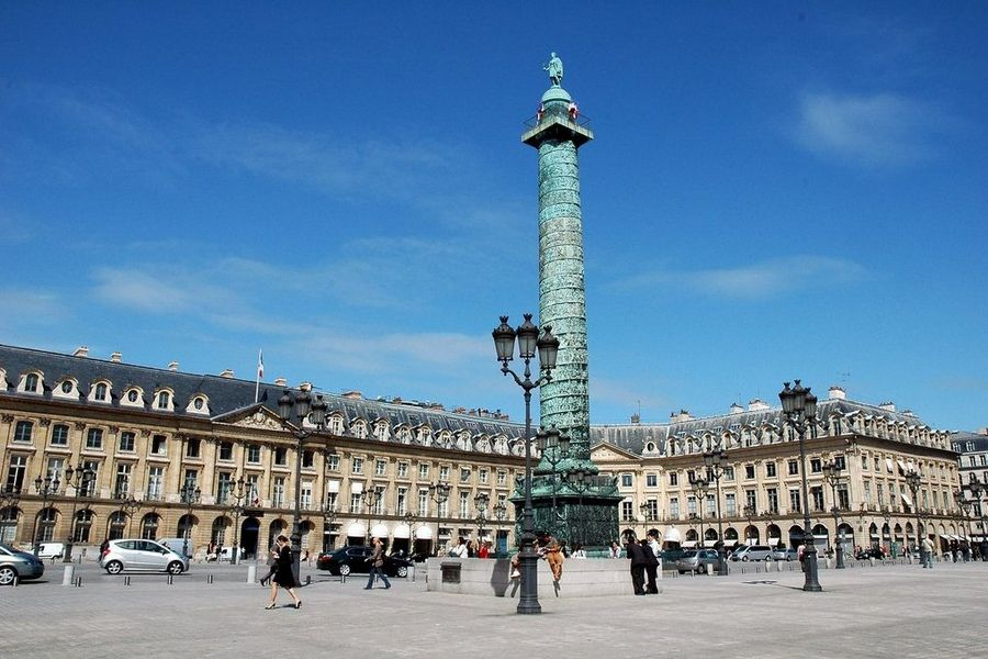 Plac Vendome ikolumna ku czci Napoleona Bonaparte, Paryż
