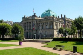 Biblioteka Narodowa i Uniwersytecka – obszerne archiwum i piękny budynek