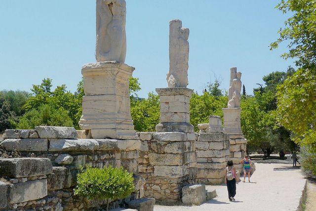 Wejście do Odeonu Agryppy