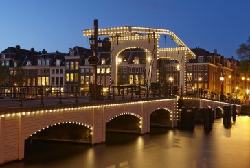 Magere Brug, słynny most zwodzony