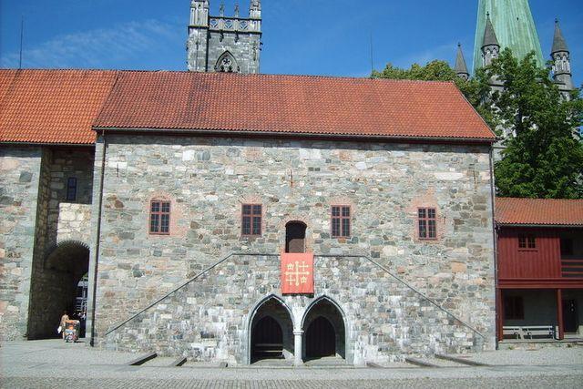 Pałac Arcybiskupi w Trondheim