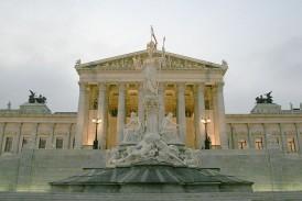 Parlament – budynek wzorowany nastarożytnej architekturze